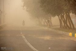 قاہرہ میں مٹی کے طوفان سے نظام زندگی درہم برہم