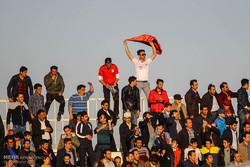 دیدار تیم های فوتبال گسترش فولاد و استقلال