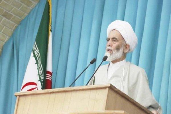 مسجد سنگر دفاعی در برابر نقشهها و توطئههای دشمن است