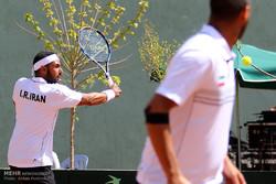 بررسی علل ناکامی تکراری تنیس ایران/ لطفا از آسانسور پیاده شوید!