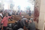 Mısır'da kilisede patlama anı kamaralarda