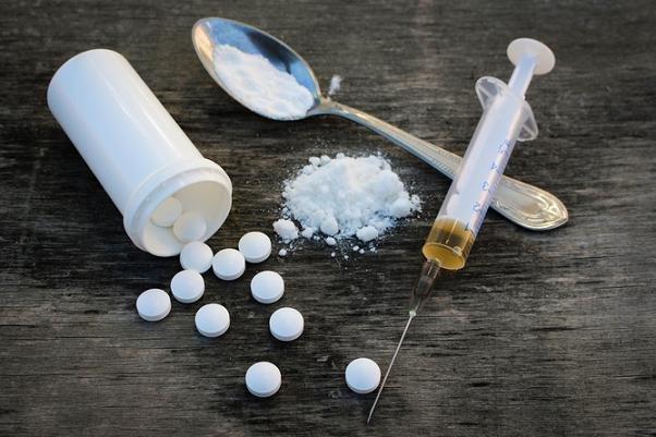 ۴ مخدر پرمصرف در بین ایرانیها/تولد سالانه ۷۵۰۰ نوزاد معتاد در کشور!