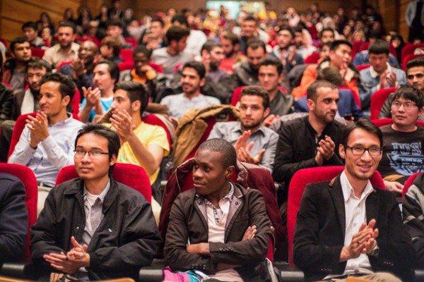 مساعدت دانشگاه ها با دانشجویان خارجی برای حذف ترم