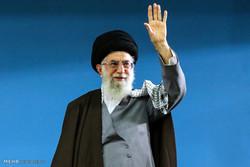 قائد الثورة يستقبل حشدا كبيرا من التلاميذ وطلاب الجامعات