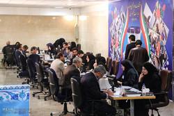 قاليباف وجهانغيري وشقيق هاشمي رفسنجاني يقدمون طلبا للترشح في الانتخابات الرئاسية القادمة