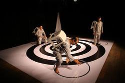 رقابت ۱۶ نمایش در جشنواره ملی تئاتر تیرنگ