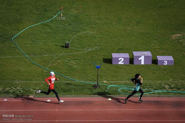Şiraz'daki Kadınlar atletizm yarışmaları