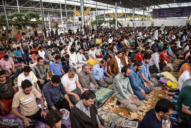 مراسم معنوی اعتکاف در مسجد جامع شهدا شیراز