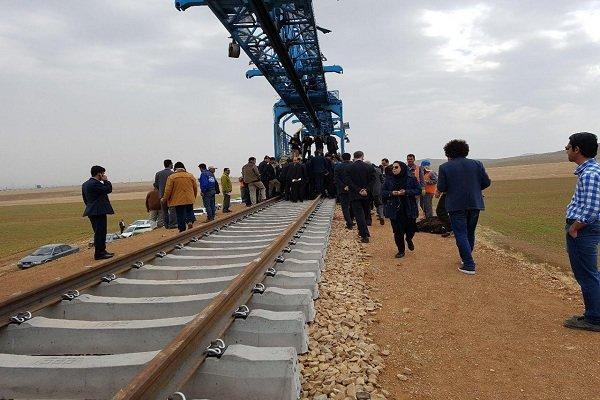 مردم افتتاح نمادین و بدون بهرهبرداری راهآهن همدان را نمیپذیرند
