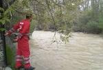 سقوط کودک ٦ ساله به رودخانه کرج/عملیات نجات با موفقیت انجام شد