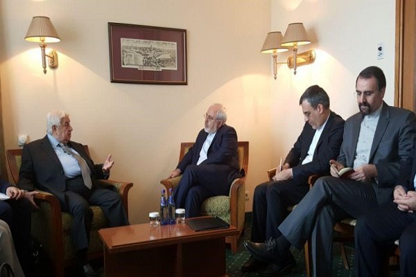 Zarif meets with Syrian FM in Moscow