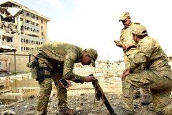 DEAŞ bayrağının Irak güçleri tarafından indirildiği an