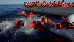 انقاذ 2074 مهاجرا في عرض المتوسط
