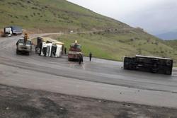 کامیون حامل روغن سیاه حادثه آفرید