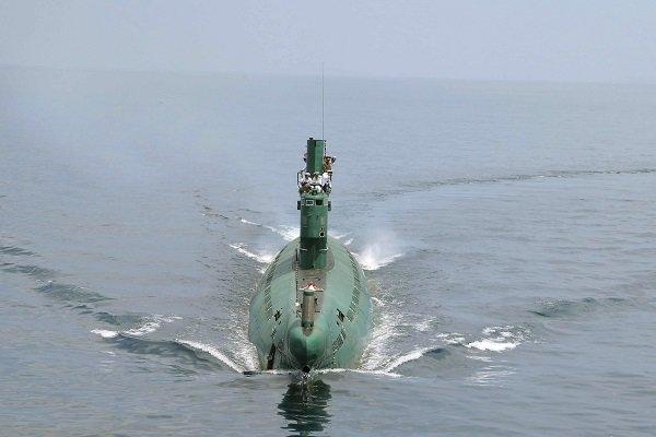 كوريا الشمالية تعرض صاروخا باليستيا يطلق من غواصة للمرة الأولى