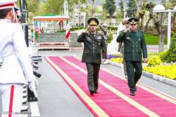 تہران میں آذربائیجان کے وزير دفاع کا استقبال