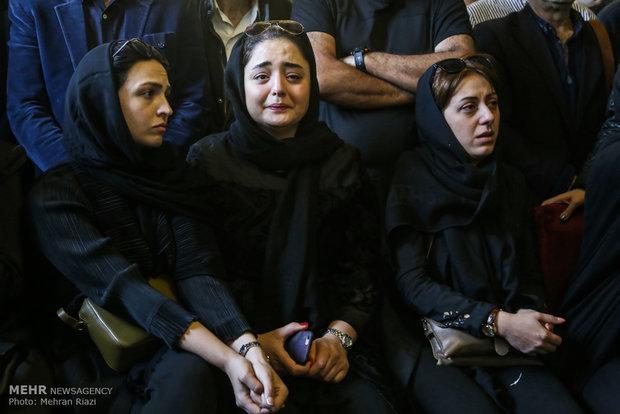 همسر عارف لرستانی تشییع جنازه عارف لرستانی تشییع جنازه بازیگران بیوگرافی عارف لرستانی