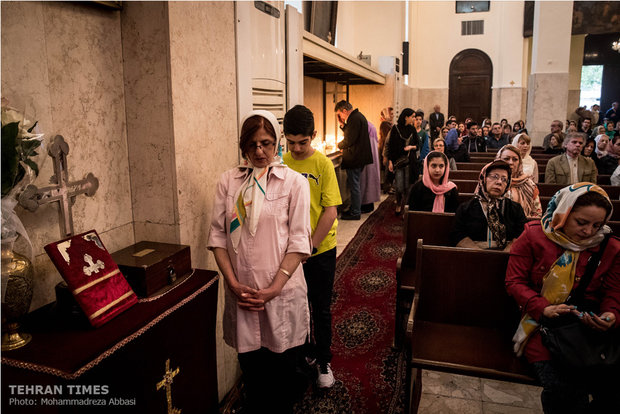 Christians mark Easter in Tehran