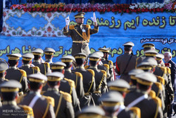 VIDEO: Armed Forces parades in Tehran