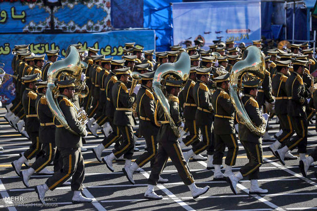 Armed Forces stage parades in Tehran