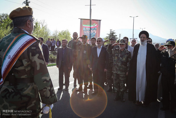 Army parades in Karaj
