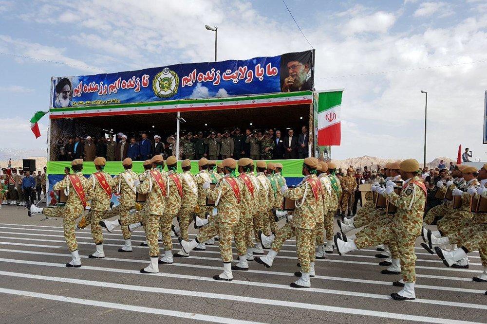 ارتش، دست بازدارنده در دفاع از انقلاب و مرزهای ایران است