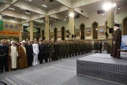 رهبر انقلاب در جمع فرماندهان ارتش
