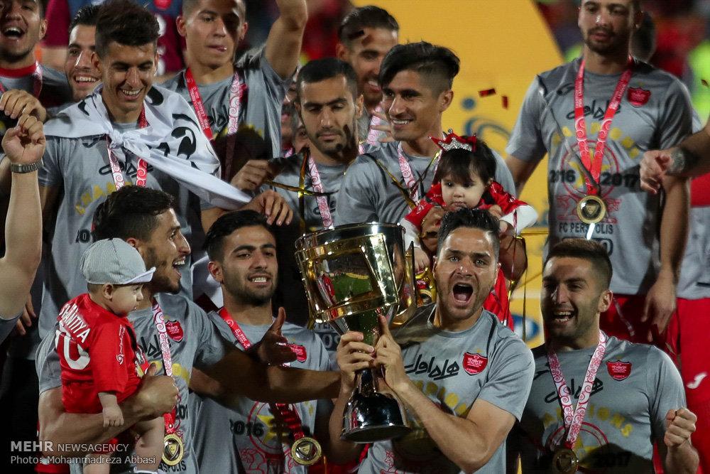 دیدار تیم های فوتبال پرسپولیس تهران و پدیده مشهد