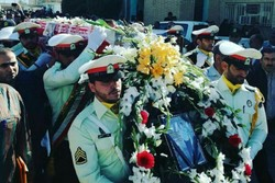 تشییع پیکر شهید تازه تفحص شده نیروی انتظامی پس از ۲۹سال در شهریار
