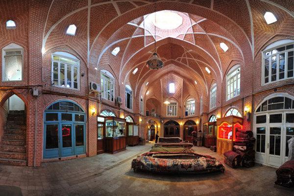 تعطیلی بازار تبریز در روزهای جمعه باعث نارضایتی گردشگران میشود
