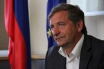 Slovenian FM condoles with Zarif over deadly flooding