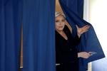 فرنسا: ماكرون ولوبن الى المنازلة الكبرى