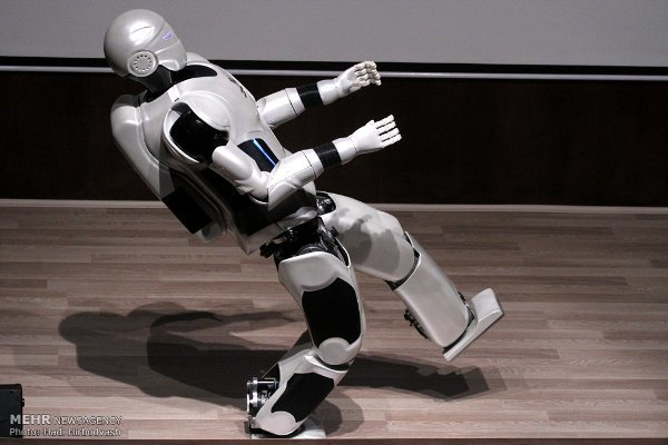 نسل چهارم ربات سورنا رونمایی شد/ آغاز طراحی نسلهای بعدی