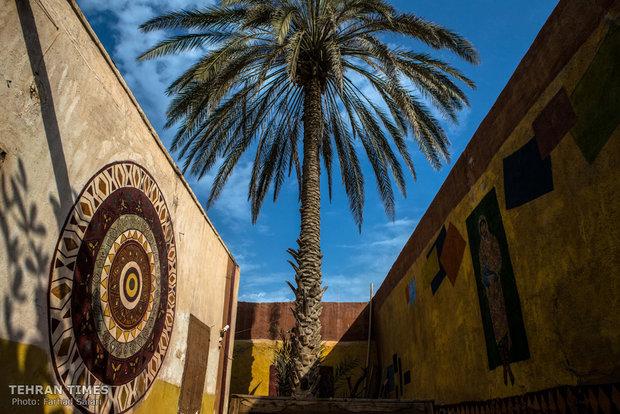 Photo collection portrays life in Hormuz Island