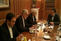 Zarif meets senior Greek officials in Athens