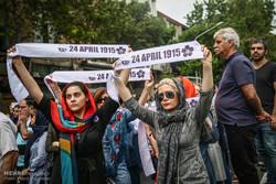 Tahran'daki Ermenilerden Türkiye Büyükelçiliği önünde gösteri