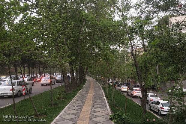 وزش باد نسبتا شدید در تهران/هوای تهران سالم است