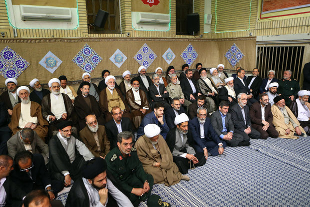 Ayatollah Khamenei meets with a group of officials and ambassadors from Islamic countries