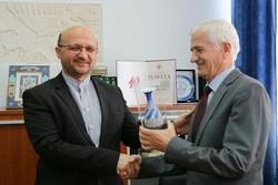 Fars dili ve edebiyatı Balkanlar'da geliştirilecek