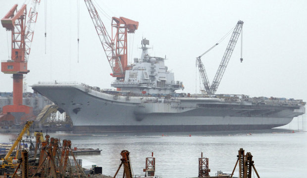 الصين تدشن أول حاملة طائرات محلية الصنع