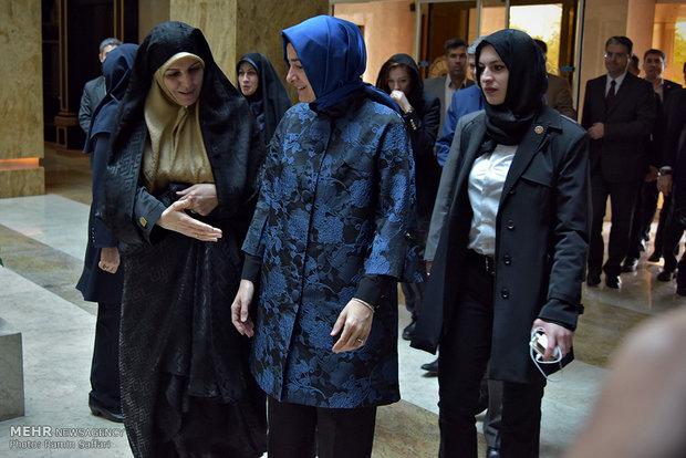 آغاز به کار نشست تخصصی کشورهای اسلامی وزرای امور زنان در مشهد
