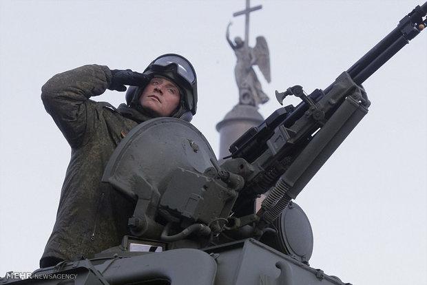 """Rus ordusu 24 milyar dolara """"donatılacak"""""""