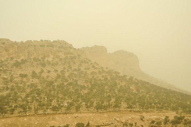 گرد و غبار در دهلران به ۱۵ برابر حد مجاز رسید