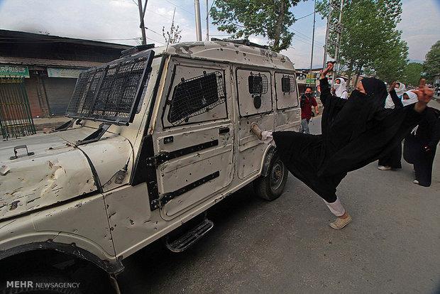 زنان مسلمان کشمیری در تظاهرات ضد دولتی