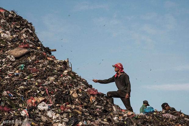 زندگی در میان زباله ها در جاکارتا