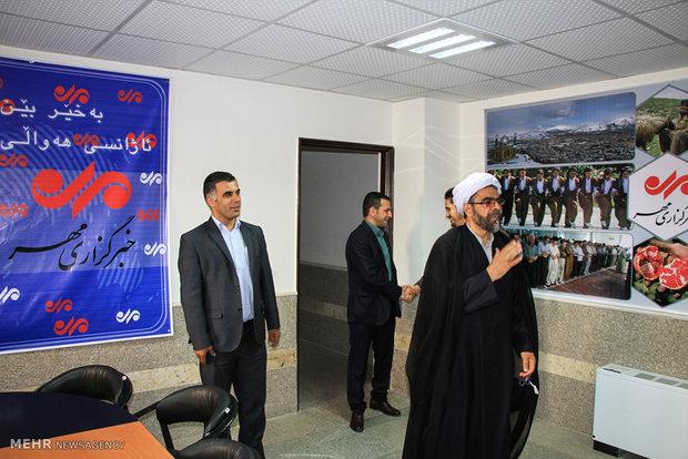 بازدید حجت الاسلام علیرضا باباشاهی مسئول نهاد نمایندگی ولی فقیه در سپاه بیت المقدس کردستان از دفتر خبرگزاری مهر در کردستان