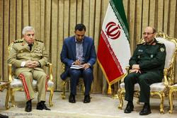 ملاقات سردار حسین دهقان وزیر دفاع با علی عبدالله ایوب رئیس ستاد مشترک ارتش سوریه