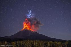 اندونيسيا: عشرات الآلاف يفرون خوفا من ثوران بركان بالي