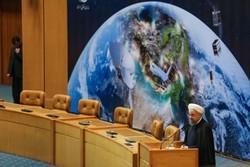 روحاني يأمر المؤسسات المعنية بشؤون الفضاء بالتعاون لإيجاد وظائف فضائية الاساس