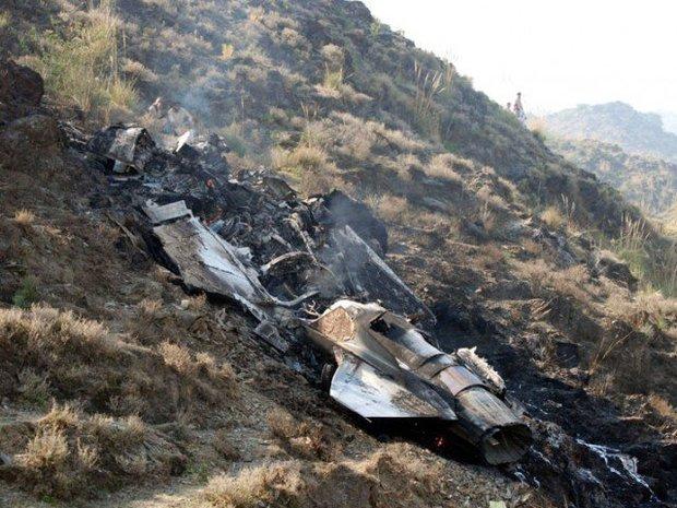 پاکستانی فضائیہ کا تربیتی طیارہ گر کرتباہ ہوگیا